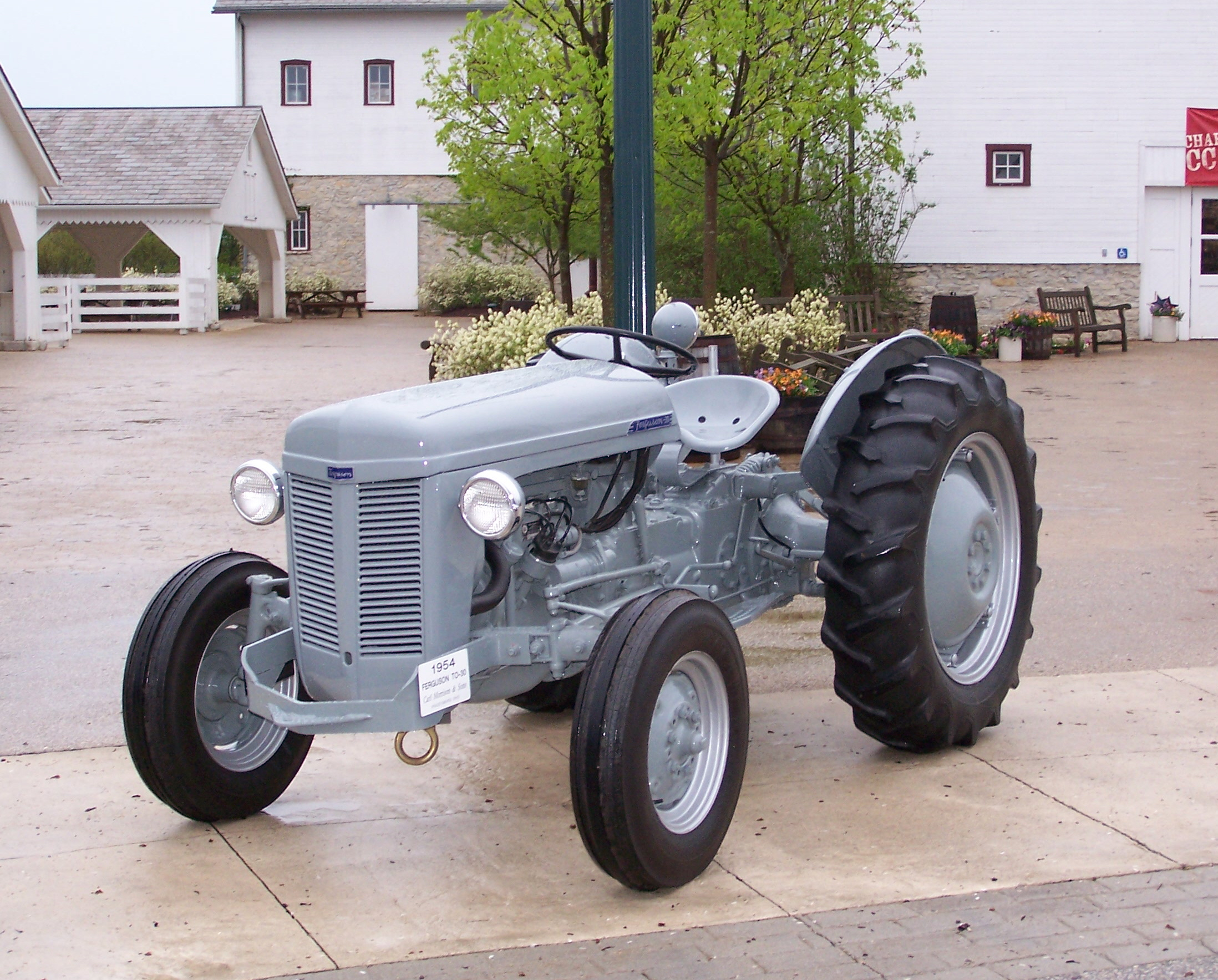 Ford Ferguson Tractor : Featured antique tractor ford ferguson osagcd